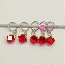 Маркеры для вязания, кубики красные, 5 штук