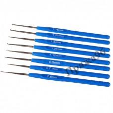 Набор из 8 крючков с синей ручкой